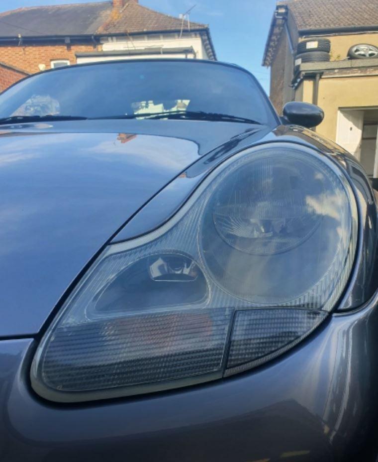Porsche Headlamp Polishing Service