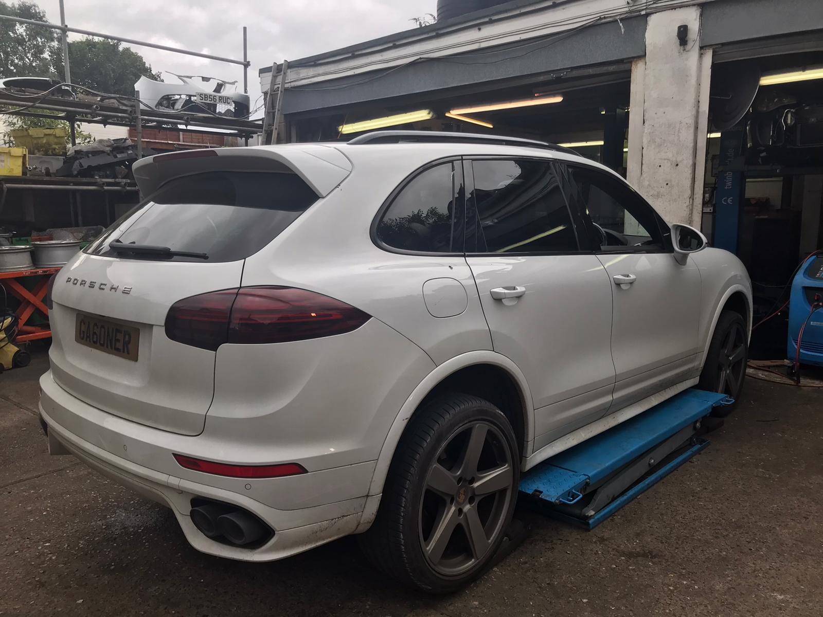 Porsche Cayenne Plenum Chamber Blocked